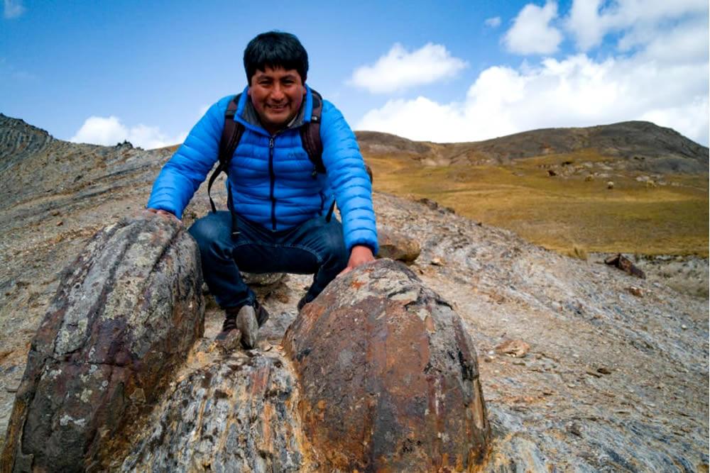 Round shape rocks at Hayuni community