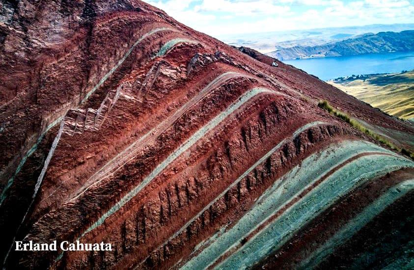 Rainbow Mountain Apu tacllo